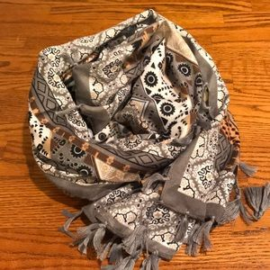 Accessories - Grey Tasseled Square Scarf